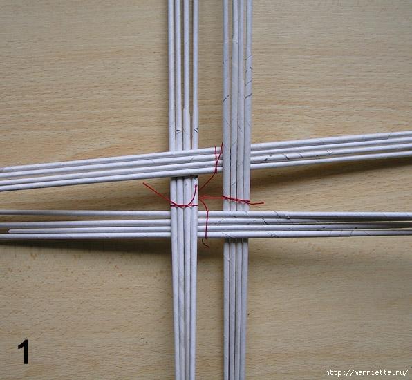 Плетение из газет. Интересный вариант плетния для панно или крышки корзинки (20) (596x550, 217Kb)