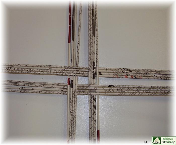 Плетение из газет. Интересный вариант плетния для панно или крышки корзинки (33) (700x579, 238Kb)