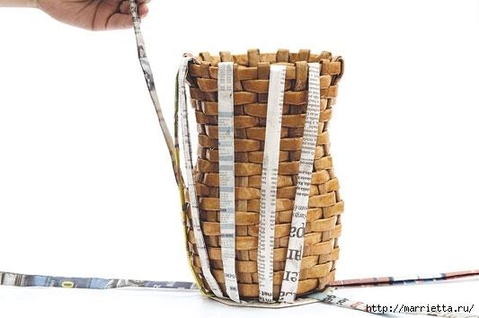 Плетение из газетных полосок. Вазочка для сухоцветов (10) (533x354, 79Kb)