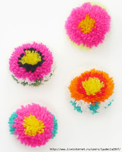 DIY-flower-pompoms-6 (476x596, 100Kb)