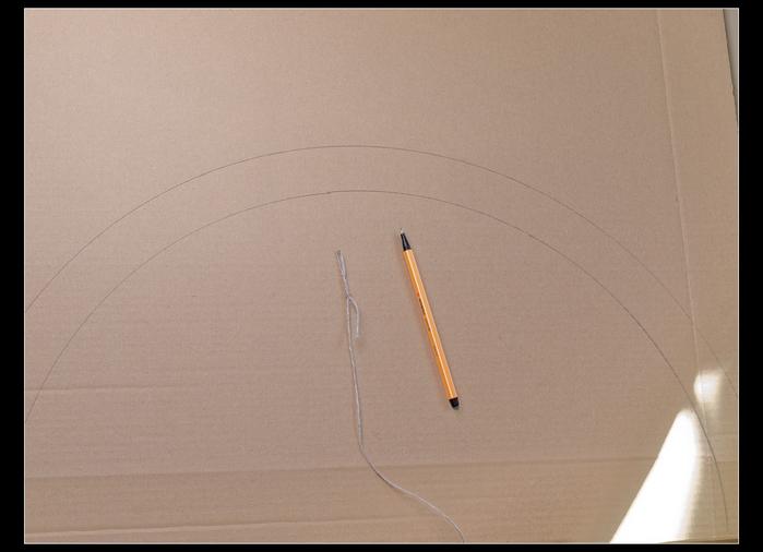Веер своими руками из картона и бумажных трубочек (8)