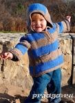 Двухцветный детский свитер спицами Описание. http://prjaga.ru/vyazanie-dlya-detej/pulover-zhake...