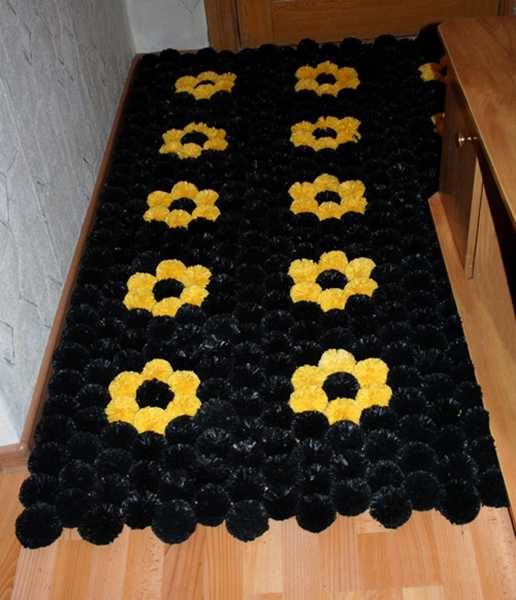 plastic-bag-recycling-pompons-floor-mat-2 (516x600, 31Kb)