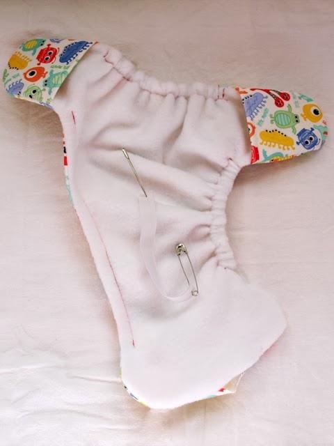 Шьем сами трусики под памперсы для новорожденного (6) (480x640, 107Kb)