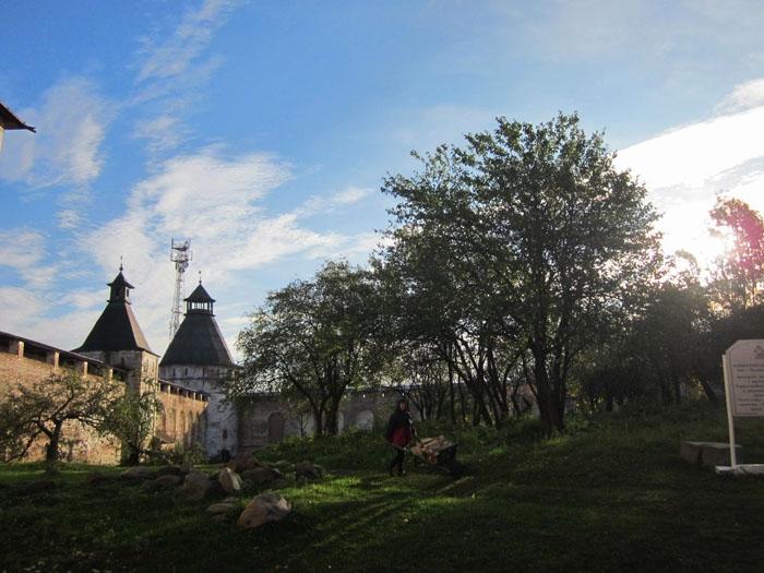 13 Борисоглебский монастырь (700x525, 247Kb)
