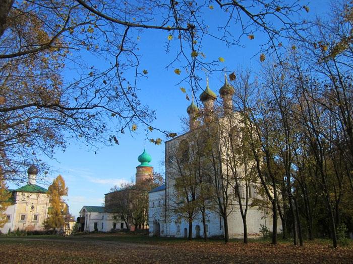 30 Борисоглебский монастырь (700x525, 405Kb)
