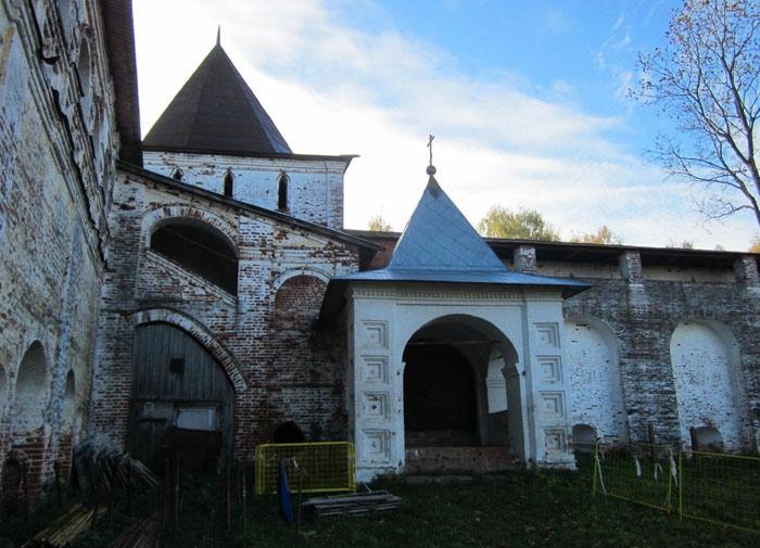 32 Борисоглебский монастырь (700x505, 254Kb)