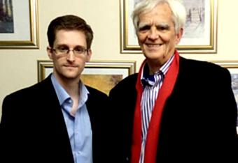 Встреча Сноудена с депутатом Бундестага (340x234, 44Kb)