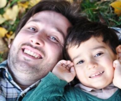 папа и сын (390x325, 91Kb)