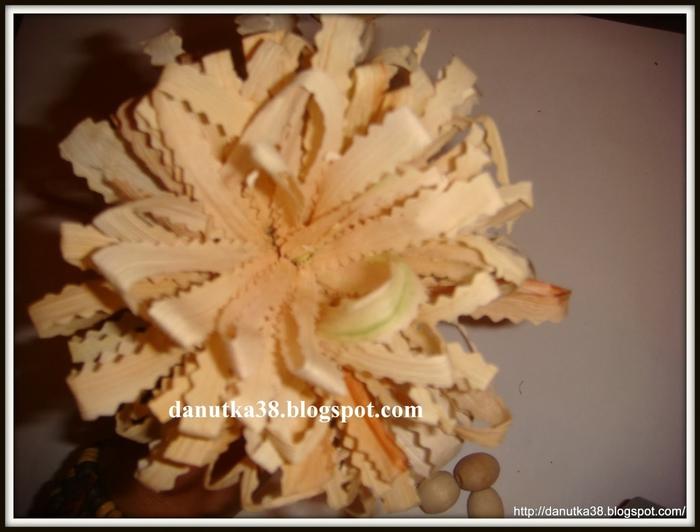 цветы из тыквенных семечек и листьев кукурузы (13) (700x532, 191Kb)