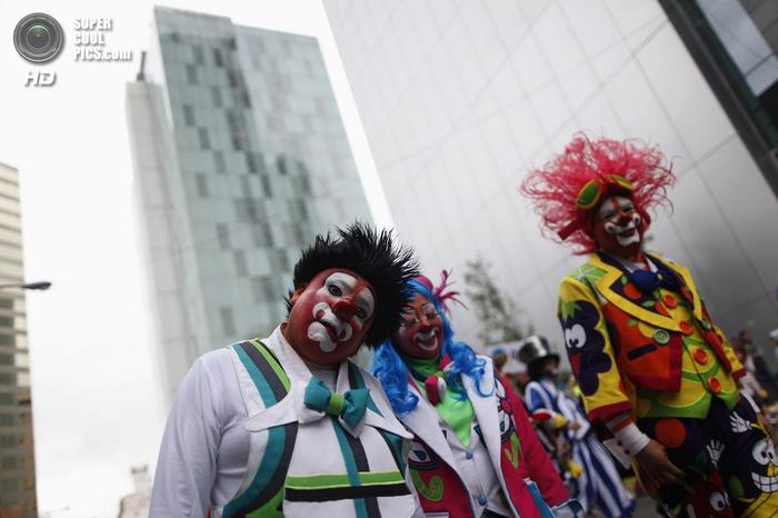 клоуны фото 5 (700x466, 194Kb)