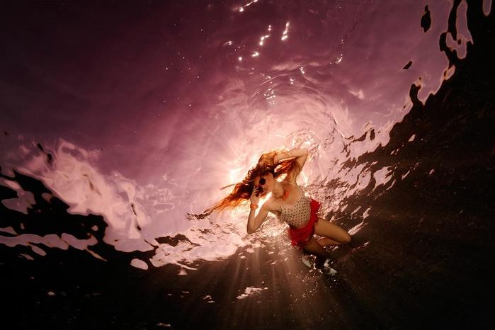 подводная фотосессия 11 (700x466, 211Kb)