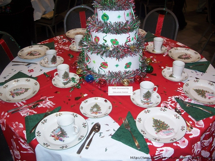 decorated-christmas-table-1 (700x525, 355Kb)