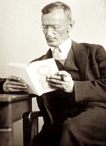 Hermann_Hesse_1927_Photo_Gret_Widmann (360x492, 77Kb)