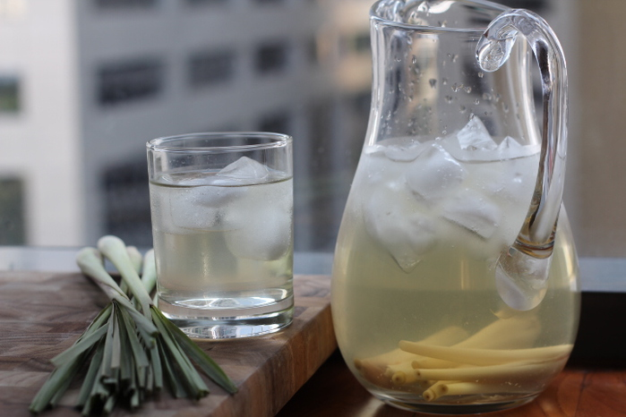 lemongrass-tea1 (700x466, 131Kb)