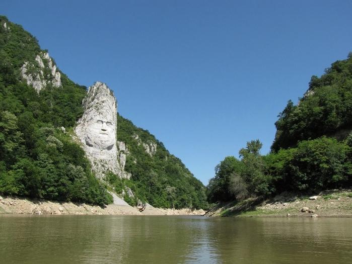 памятник царю децебалу румыния 5 (700x525, 263Kb)