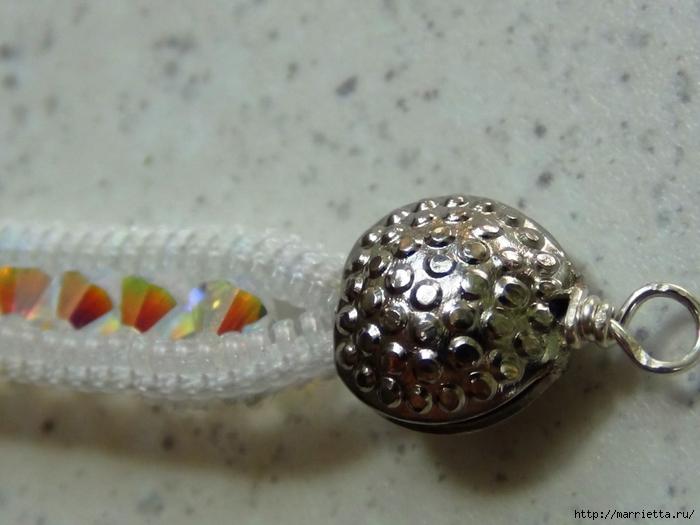 Гламурный ошейник для кошки. Из молнии и бусин-кристаллов Swarovski (18) (700x525, 205Kb)