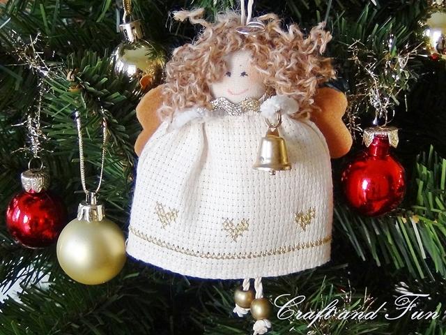 Подвеска - рождественский ангел из поролона и ткани. Мастер-класс (32) (640x480, 310Kb)
