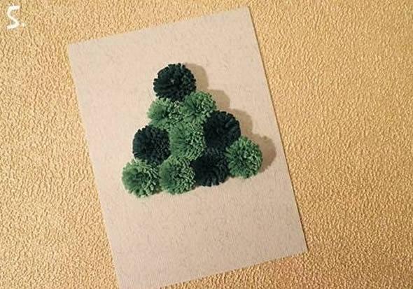 Новогодняя открытка с елочкой из ленточек (5) (590x413, 152Kb)
