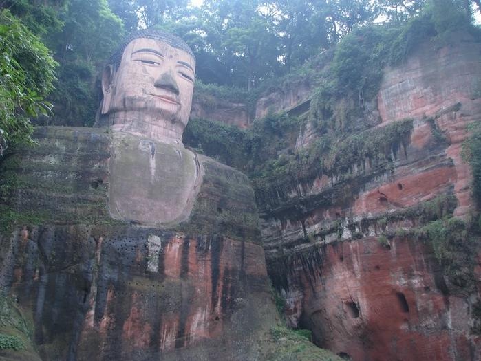 гигантская статуя будды в лэшане 10 (700x525, 295Kb)