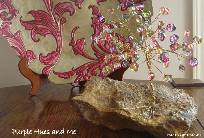 Цветочное дерево на камне.  Красивая композиция из бисера и проволоки (11) (700x472, 322Kb) .