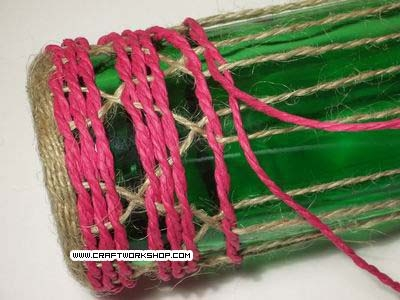 Оплетаем бутылку. Плетение джутом (16) (400x300, 92Kb)