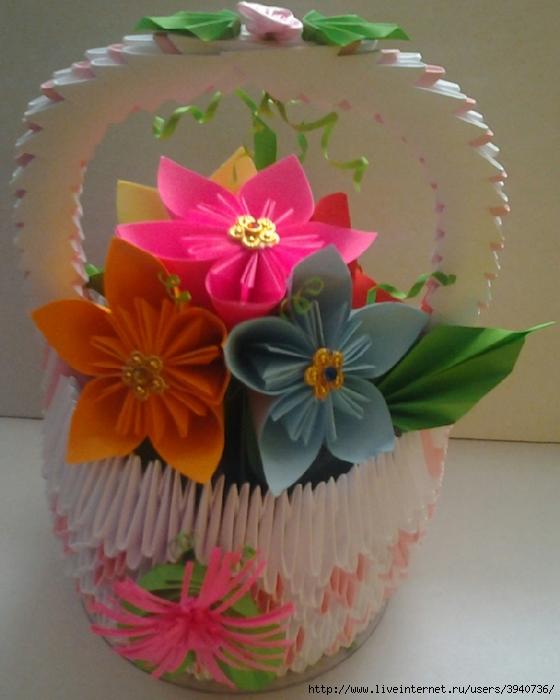 Модульная корзинка с цветами.