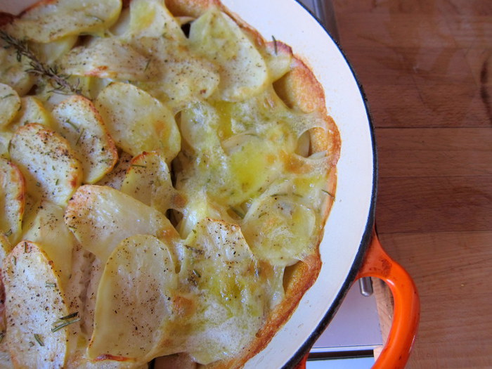 картофель запеченный с фаршем (700x525, 98Kb)