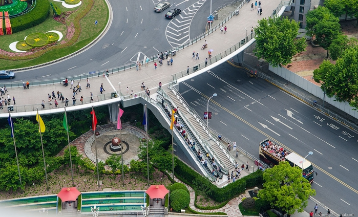 пешеходный мост в шанхае китай 1 (700x424, 306Kb)