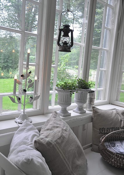 windowsill-decorating-ideas7 (425x600, 165Kb)