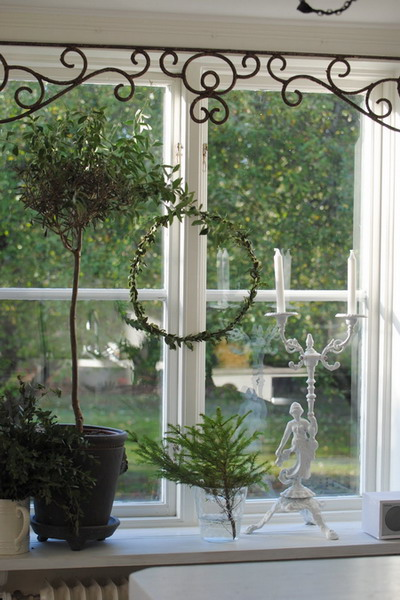 4497432_windowsilldecoratingideas8 (400x600, 81Kb)
