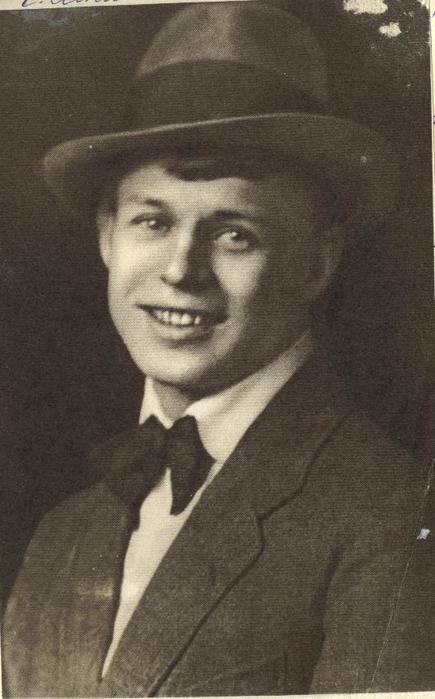 Сергей Есенин (435x700, 42Kb)