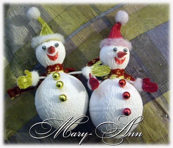снеговик из конфет и гофрированной бумаги (8) (600x512, 253Kb)