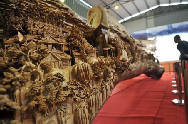 самая большая скульптура из дерева фото 2 (640x423, 162Kb)