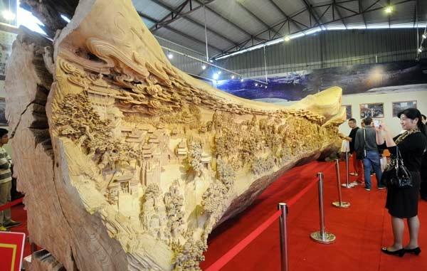 самая большая скульптура из дерева фото 8 (600x381, 123Kb)
