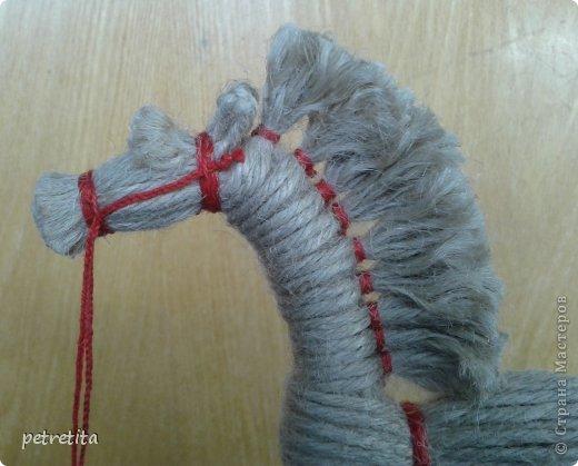 Как сделать лошадку из ниток