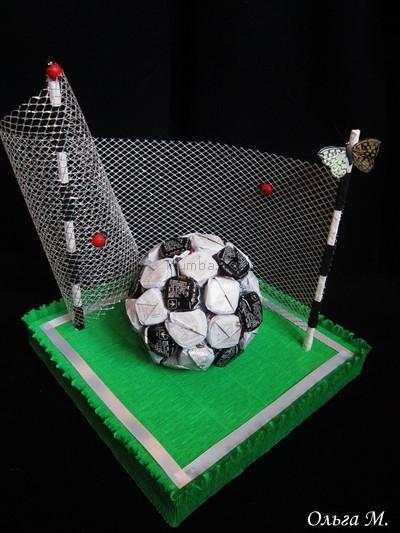 футбольный мяч из конфет (7) (400x533, 138Kb)