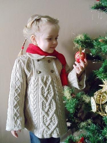 Пальто с аранами для девочки до 4-х лет (1) (375x500, 151Kb)