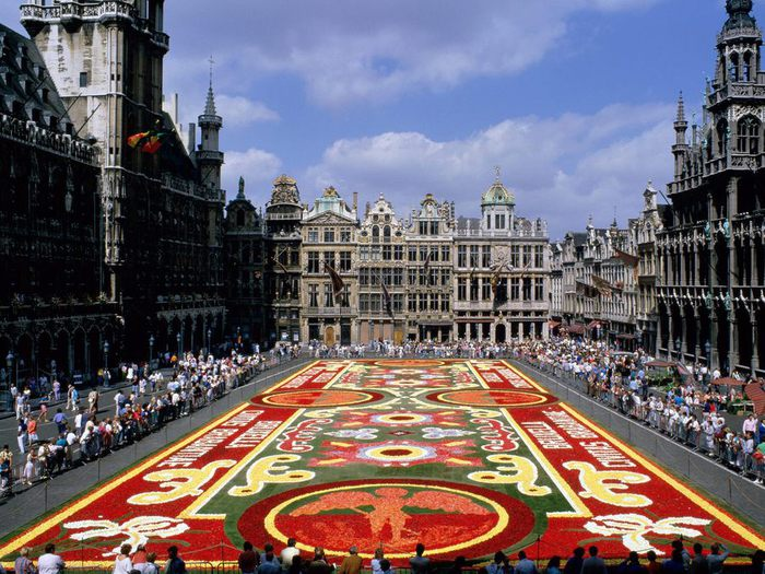 Grand Place - Brussels Belgium (700x525, 108Kb)