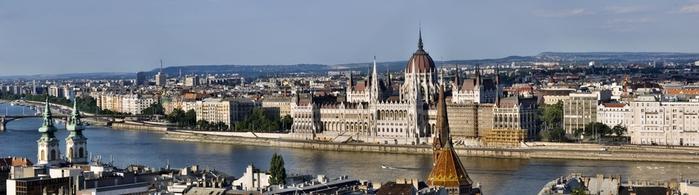 Будапешт,_вид_на_Пешт_с_Рыбацкого_бастиона (700x195, 110Kb)