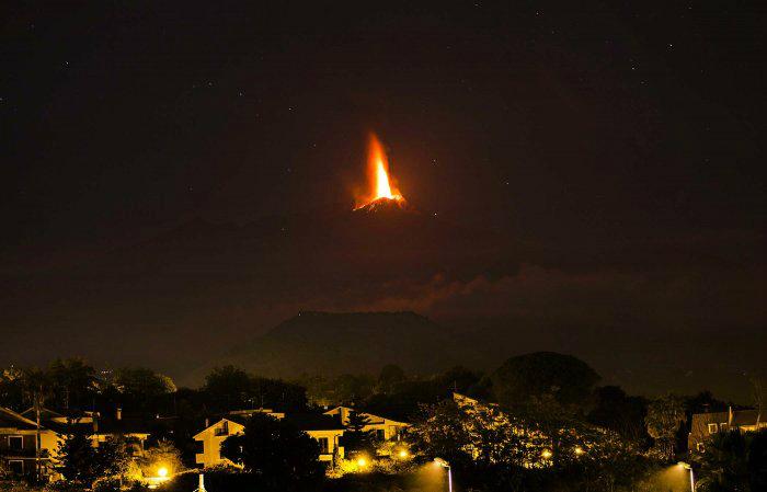 вулкан этна фото 1 (700x449, 149Kb)