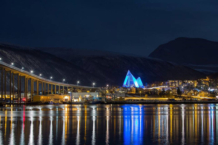 3578968_Tromso_PaalIvanEithun_VisitNorthernNorway1 (700x466, 78Kb)