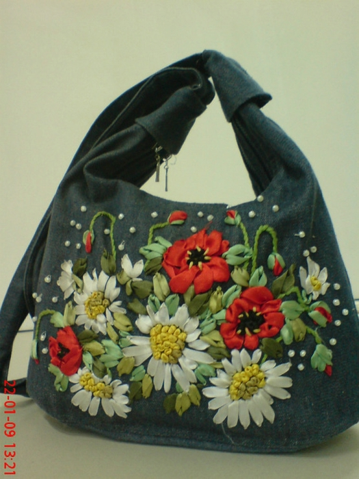 Вышивка лентами на сумке своими руками