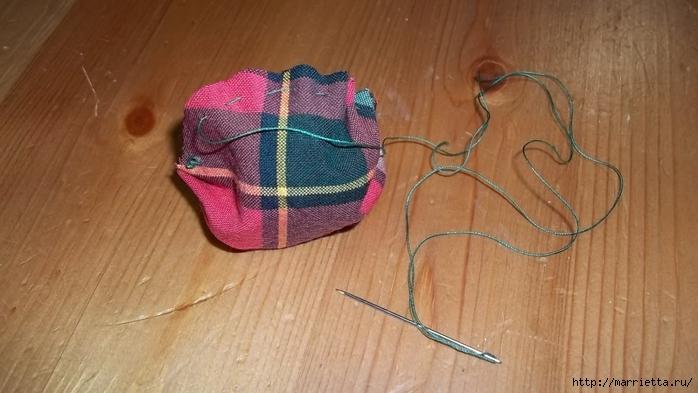 Текстильный елочный шар в технике йо-йо. Мастер-класс (7) (700x393, 197Kb)