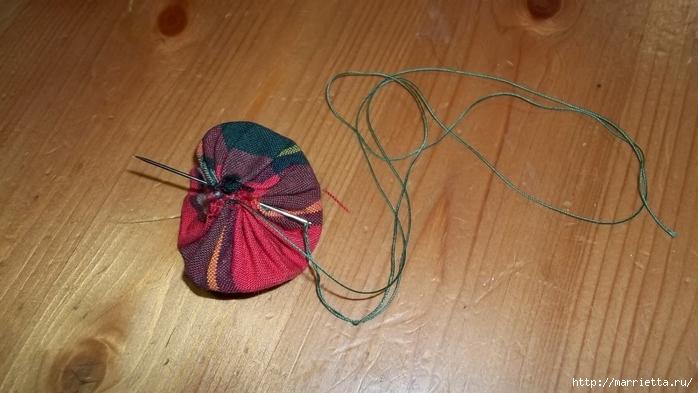 Текстильный елочный шар в технике йо-йо. Мастер-класс (9) (700x393, 197Kb)
