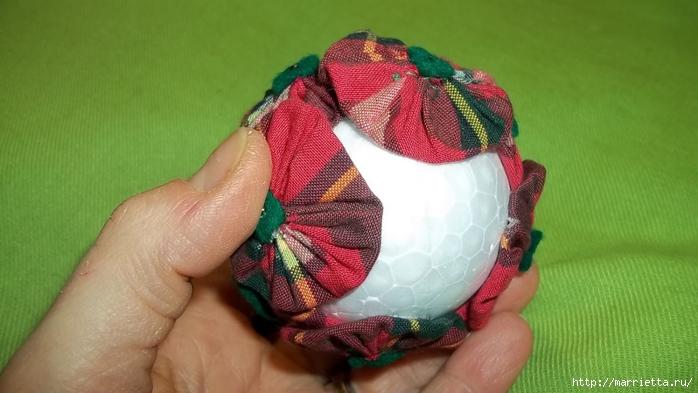 Текстильный елочный шар в технике йо-йо. Мастер-класс (18) (700x393, 183Kb)