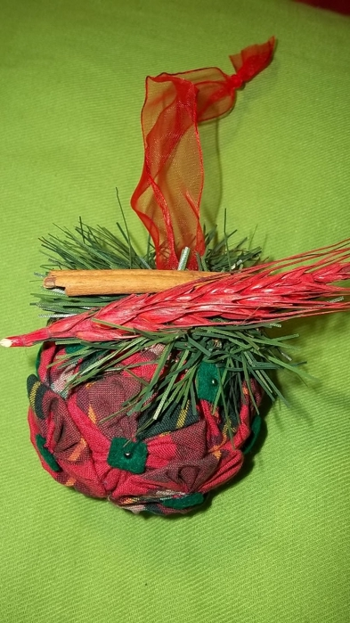 Текстильный елочный шар в технике йо-йо. Мастер-класс (24) (393x700, 225Kb)