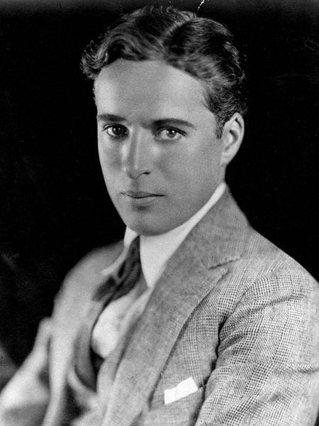 450px-Charlie_Chaplin_portrait (450x600, 110Kb)