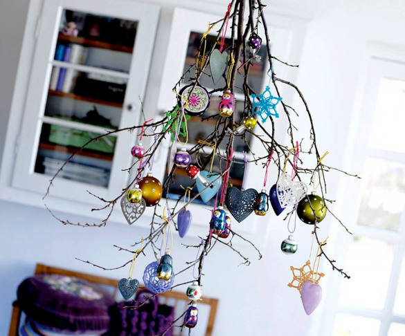 Alternative-Christmas-tree-ideas-tree-from-branches-and-decorations-585x486 (585x486, 481Kb)