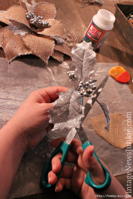 how-to-make-a-burlap-flower-ornament (466x700, 312Kb)